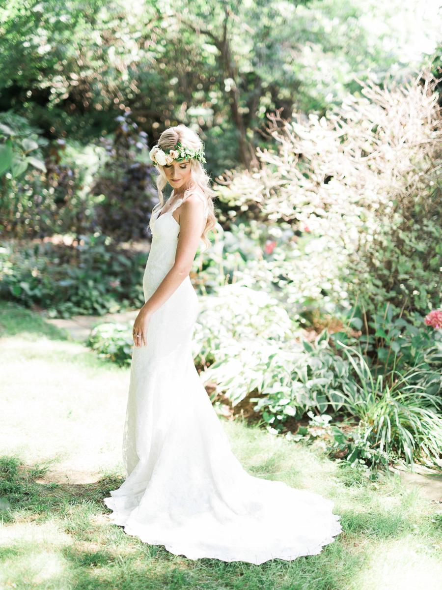 destiny-dawn-photography-vineyard-bride-swish-list-kurtz-orchards-niagara-on-the-lake-wedding-9.jpg