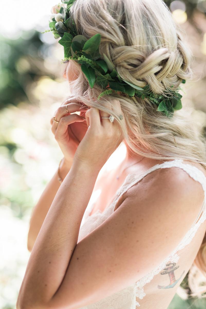 destiny-dawn-photography-vineyard-bride-swish-list-kurtz-orchards-niagara-on-the-lake-wedding-10.jpg