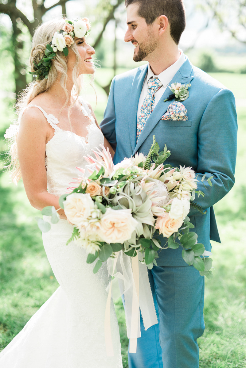 destiny-dawn-photography-vineyard-bride-swish-list-kurtz-orchards-niagara-on-the-lake-wedding-21.jpg
