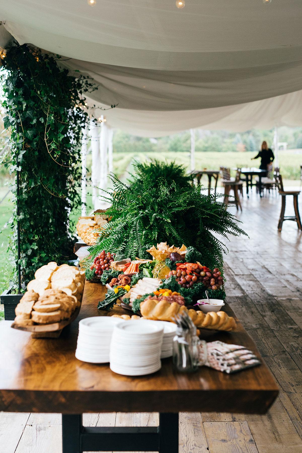 shaw-events-vineyard-bride-swish-list-kurtz-orchards-niagara-on-the-lake-wedding-3.jpg