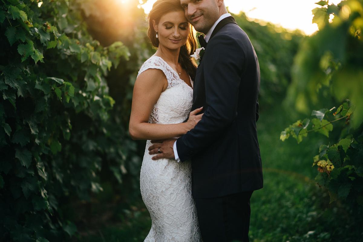 shaw-events-vineyard-bride-swish-list-kurtz-orchards-niagara-on-the-lake-wedding-8.jpg