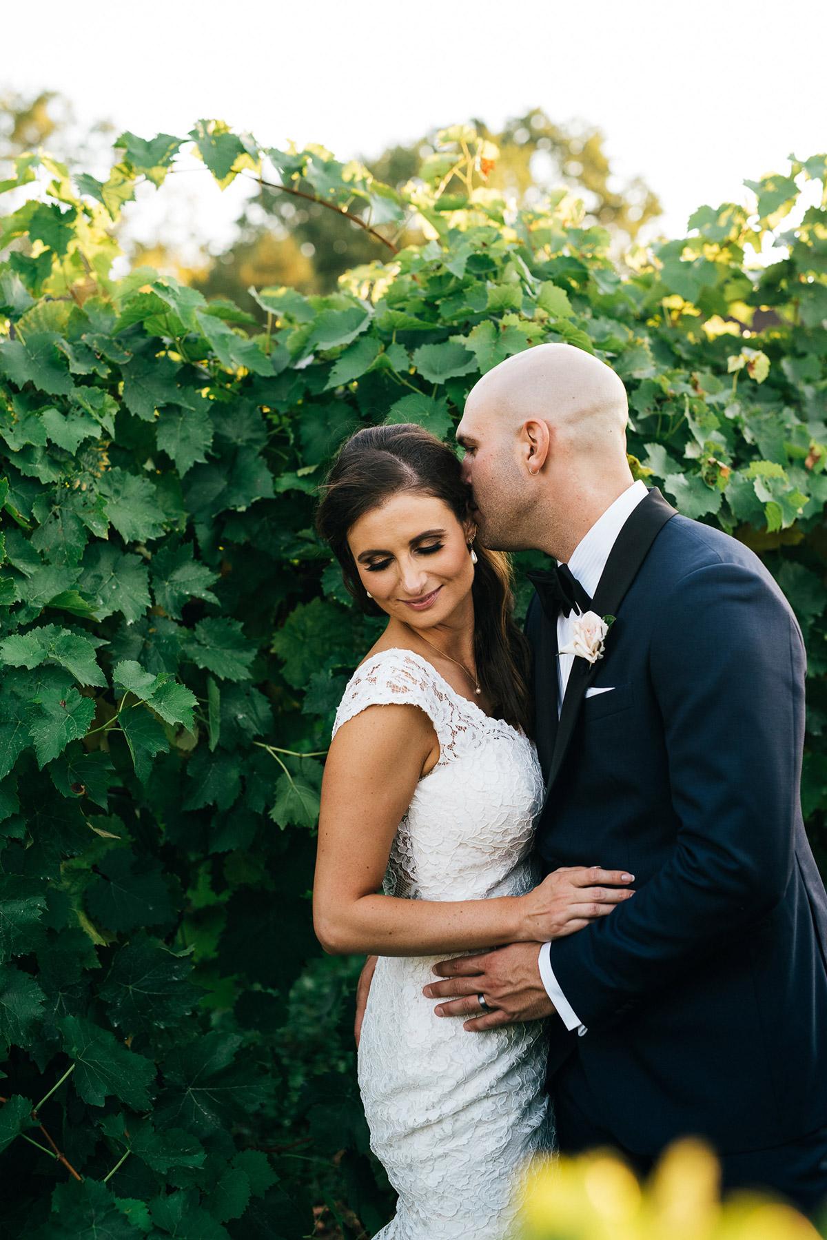 shaw-events-vineyard-bride-swish-list-kurtz-orchards-niagara-on-the-lake-wedding-10.jpg