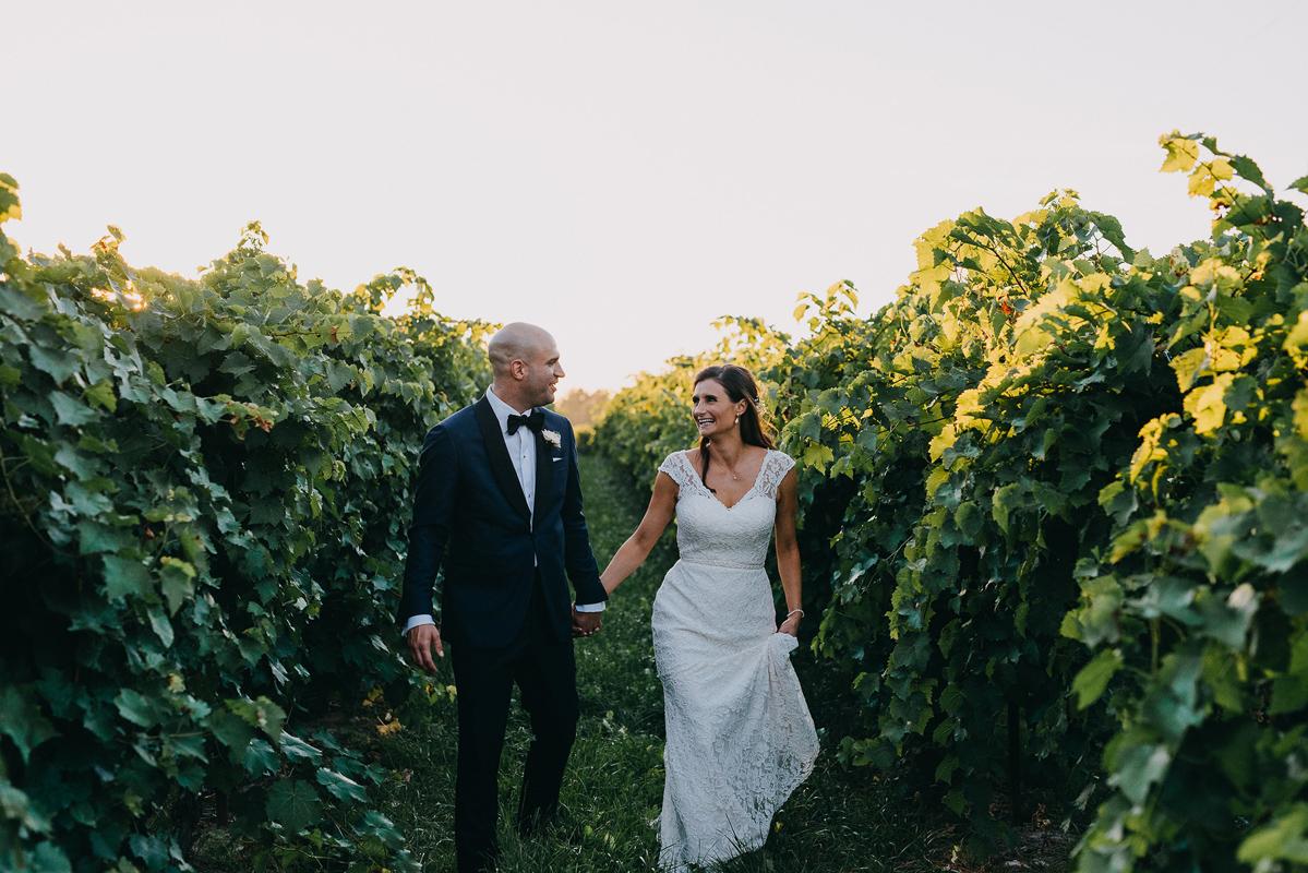 shaw-events-vineyard-bride-swish-list-kurtz-orchards-niagara-on-the-lake-wedding-11.jpg