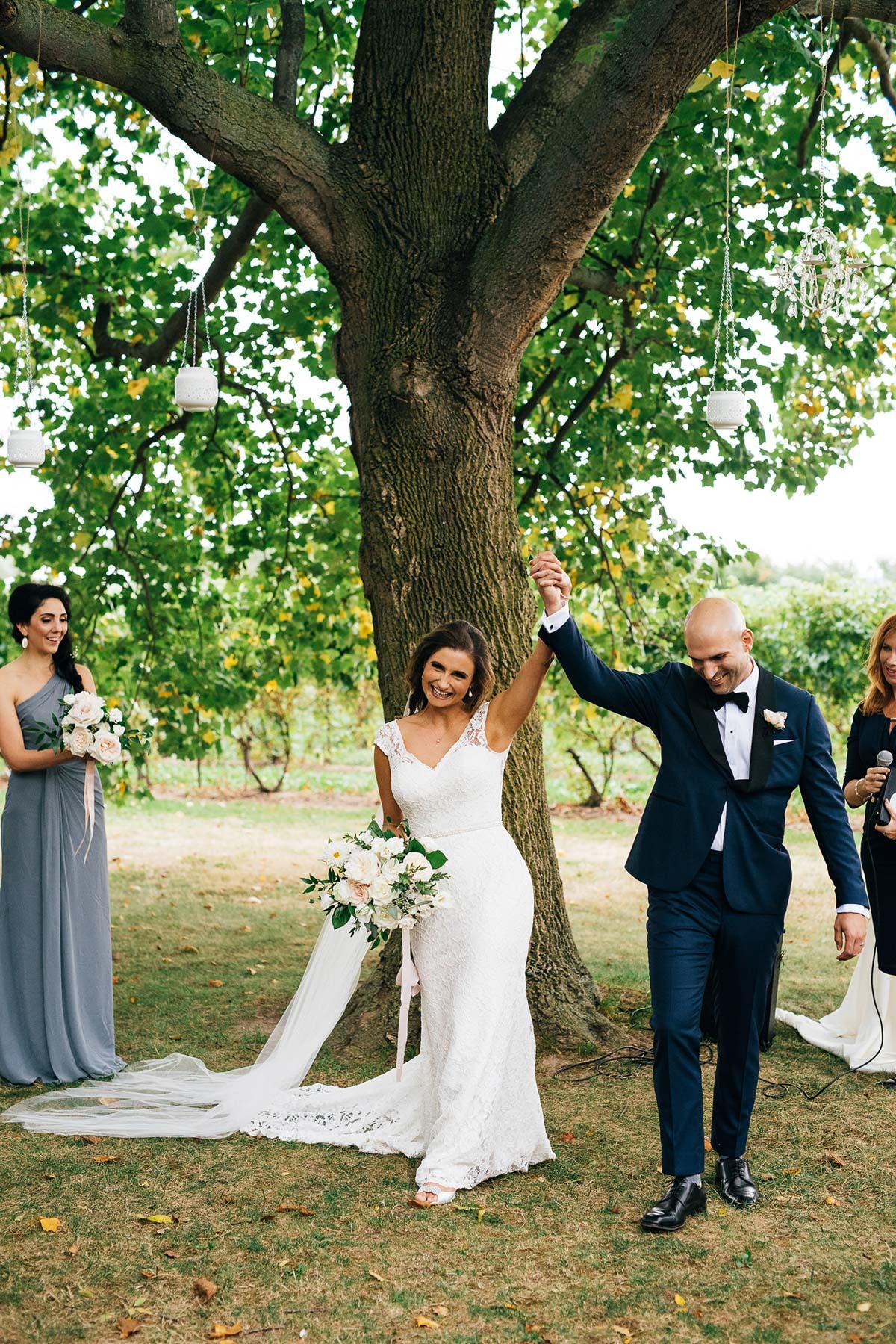 shaw-events-vineyard-bride-swish-list-kurtz-orchards-niagara-on-the-lake-wedding-15.jpg