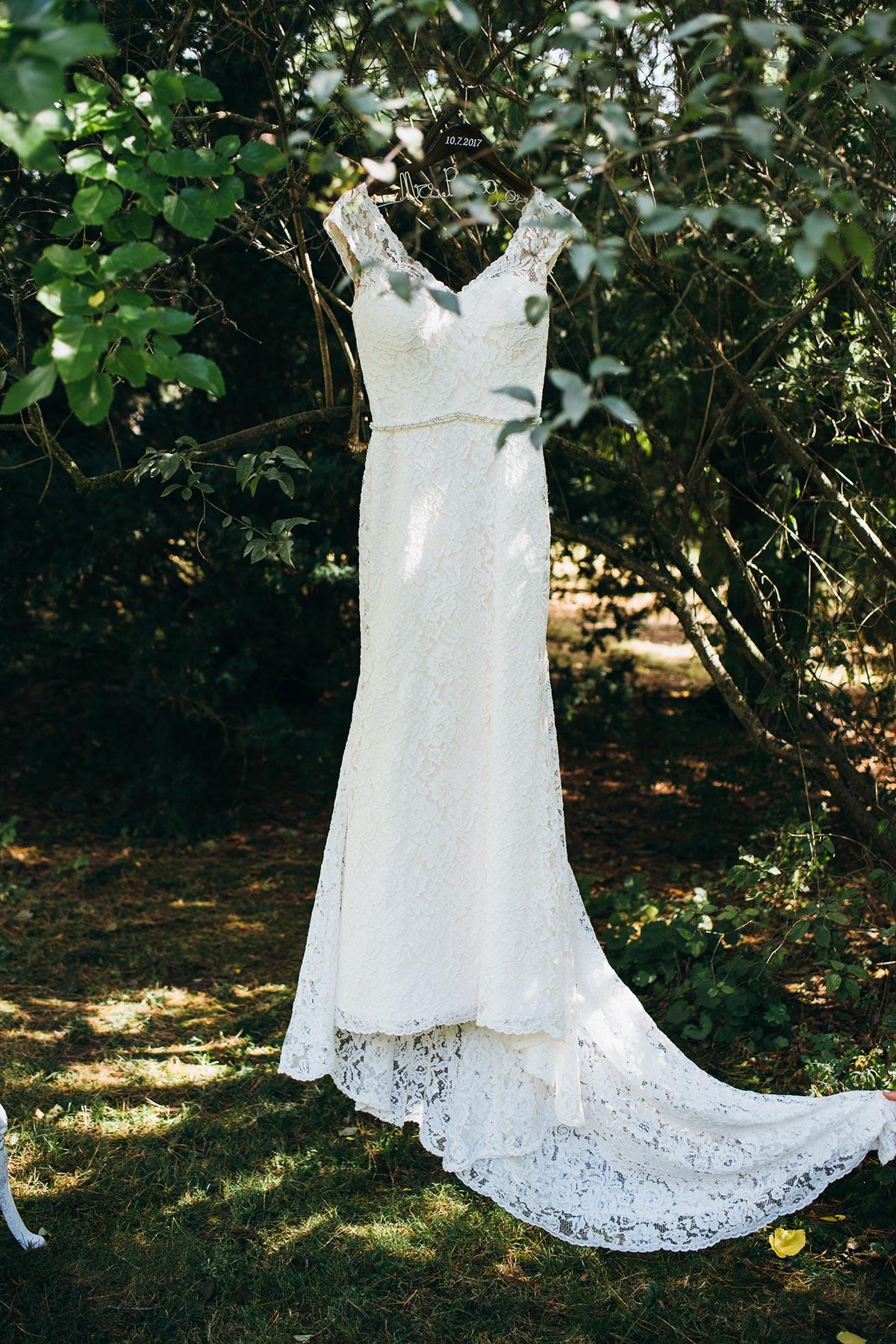 shaw-events-vineyard-bride-swish-list-kurtz-orchards-niagara-on-the-lake-wedding-23.jpg