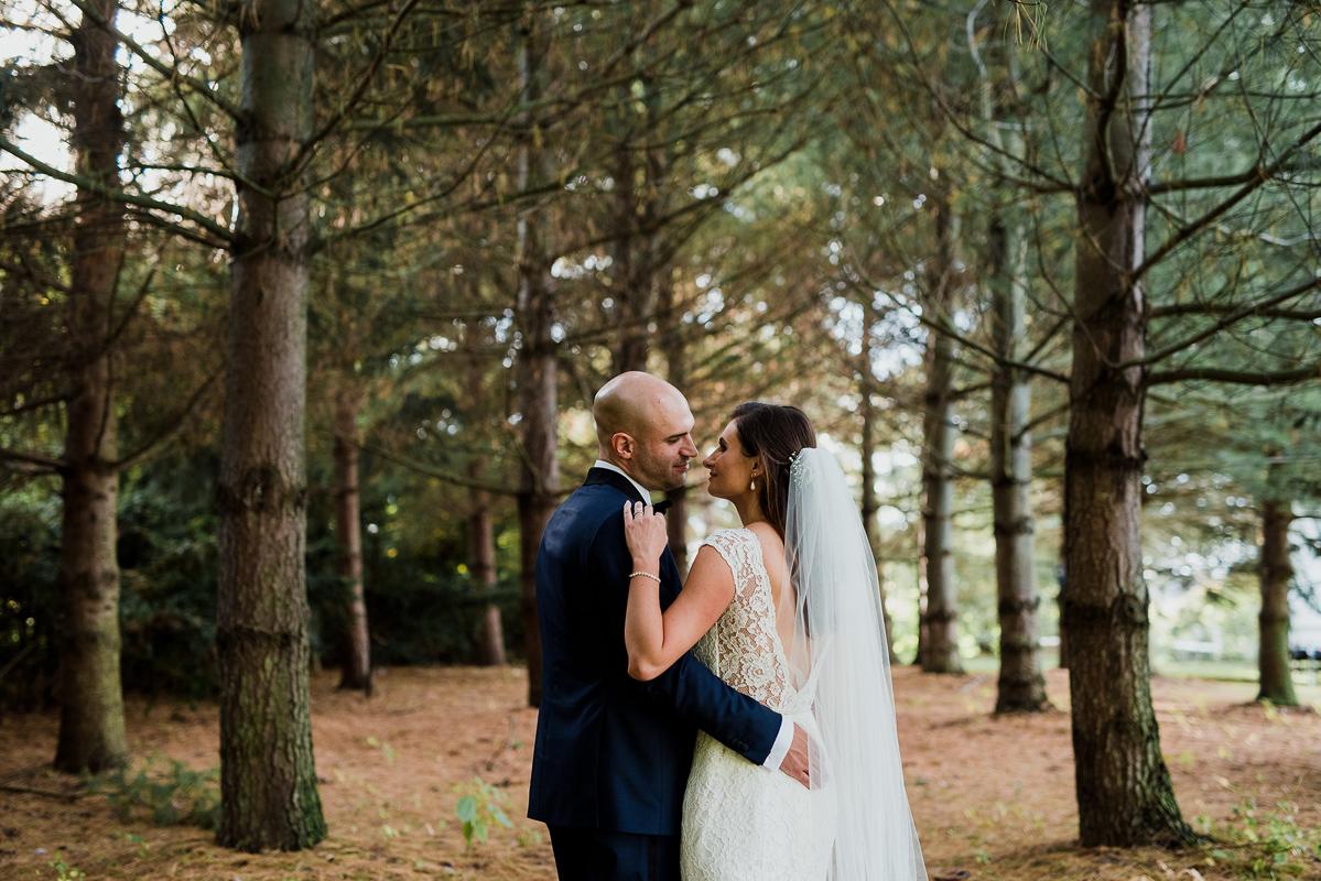 shaw-events-vineyard-bride-swish-list-kurtz-orchards-niagara-on-the-lake-wedding-24.jpg