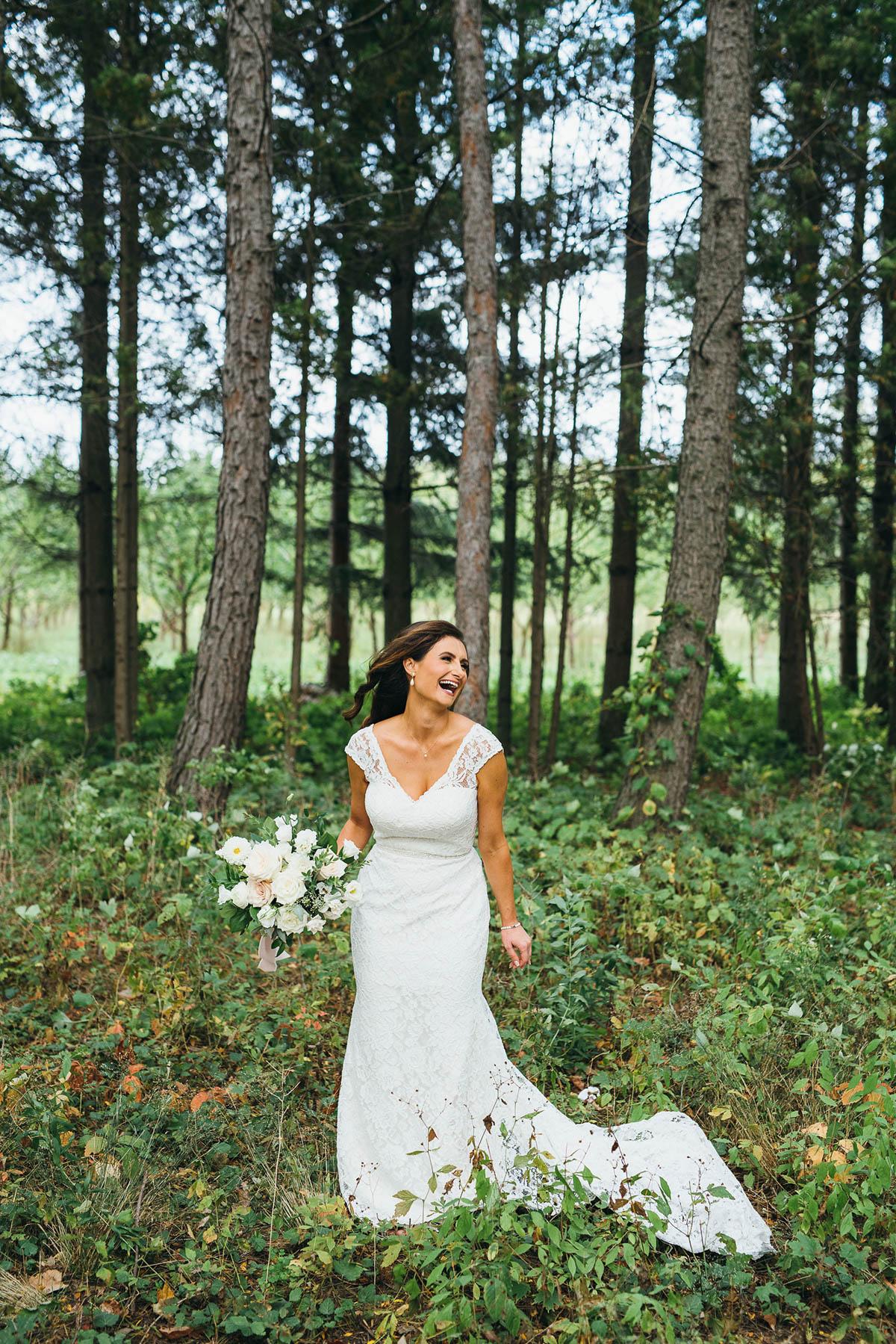 shaw-events-vineyard-bride-swish-list-kurtz-orchards-niagara-on-the-lake-wedding-35.jpg