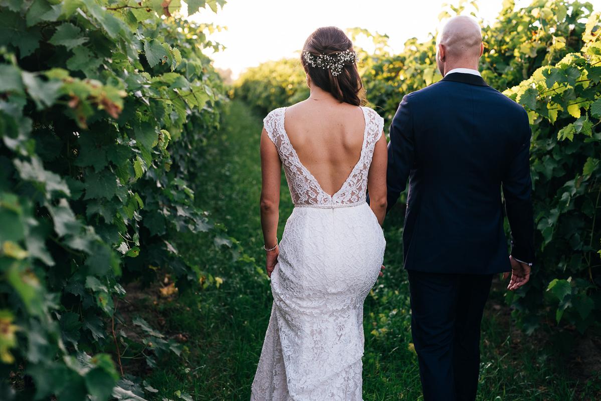 shaw-events-vineyard-bride-swish-list-kurtz-orchards-niagara-on-the-lake-wedding-86.jpg