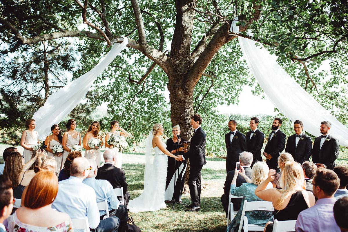 cathy-davis-co-vineyard-bride-swish-list-niagara-gta-2.jpg