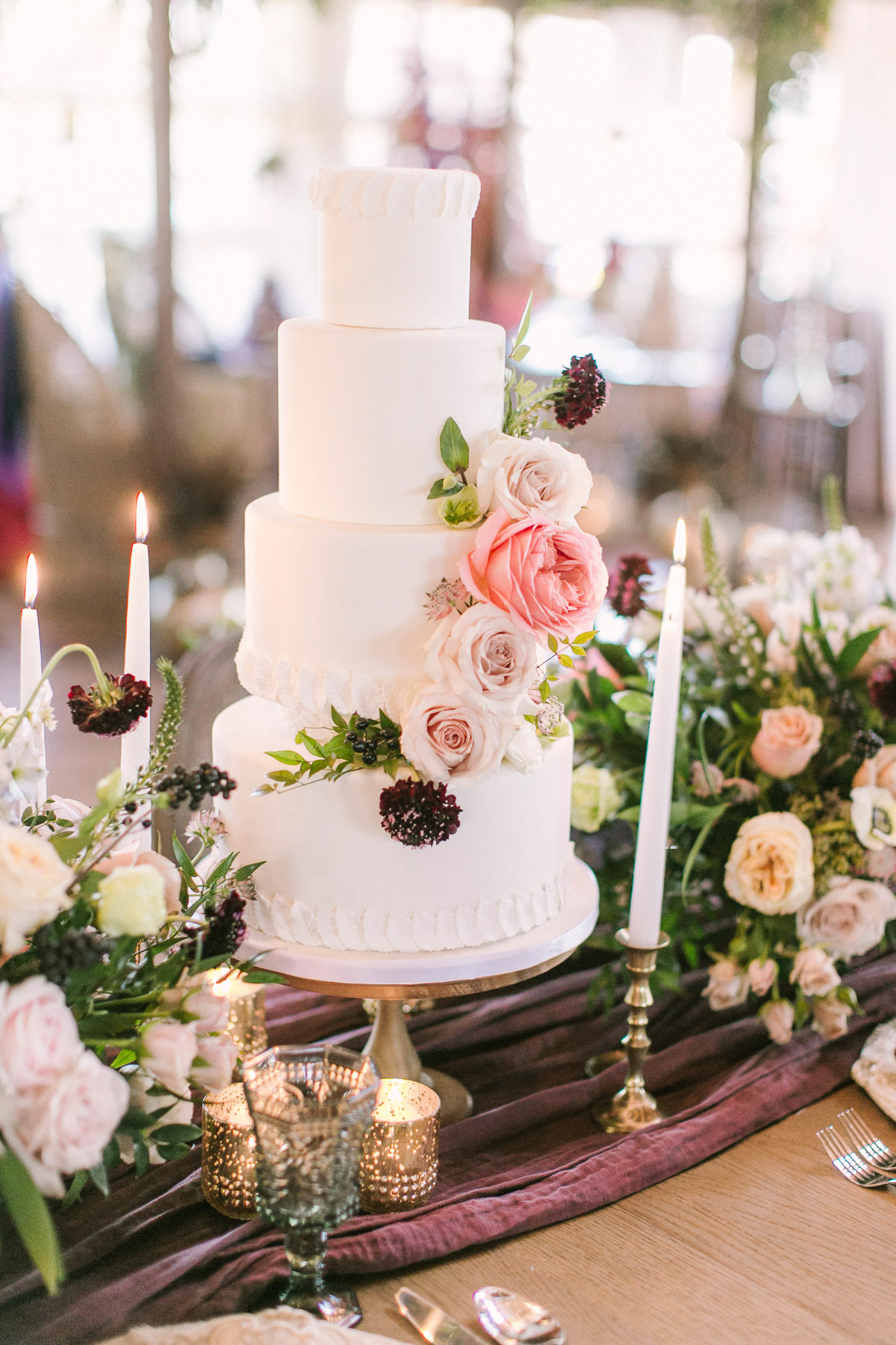 the-first-look-vineyard-bride-swish-list-kurtz-orchards-market-niagara-on-the-lake-wedding-show-21.jpg