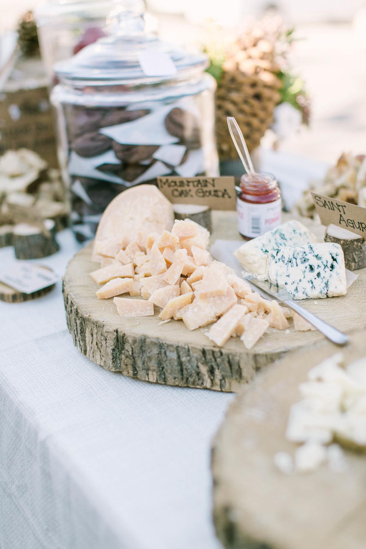 the-first-look-vineyard-bride-swish-list-kurtz-orchards-market-niagara-on-the-lake-wedding-show-36.jpg