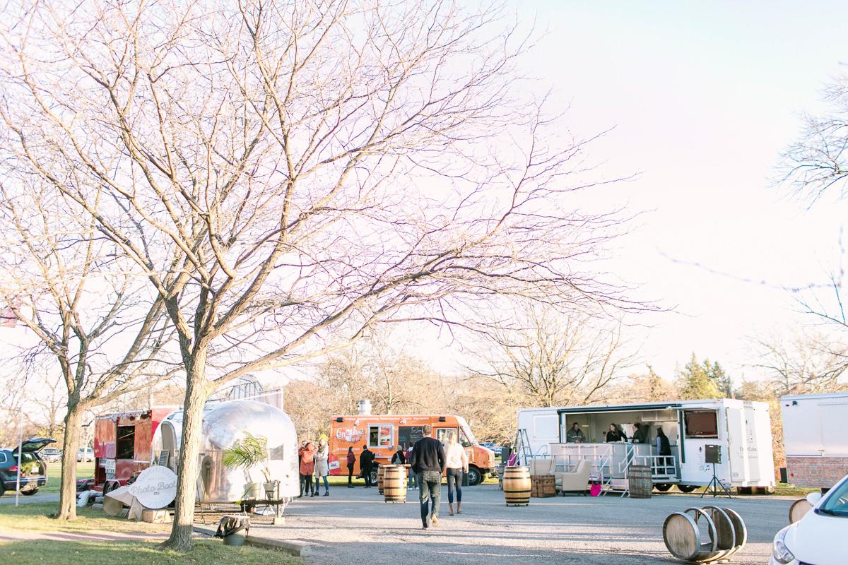 the-first-look-vineyard-bride-swish-list-kurtz-orchards-market-niagara-on-the-lake-wedding-show-53.jpg