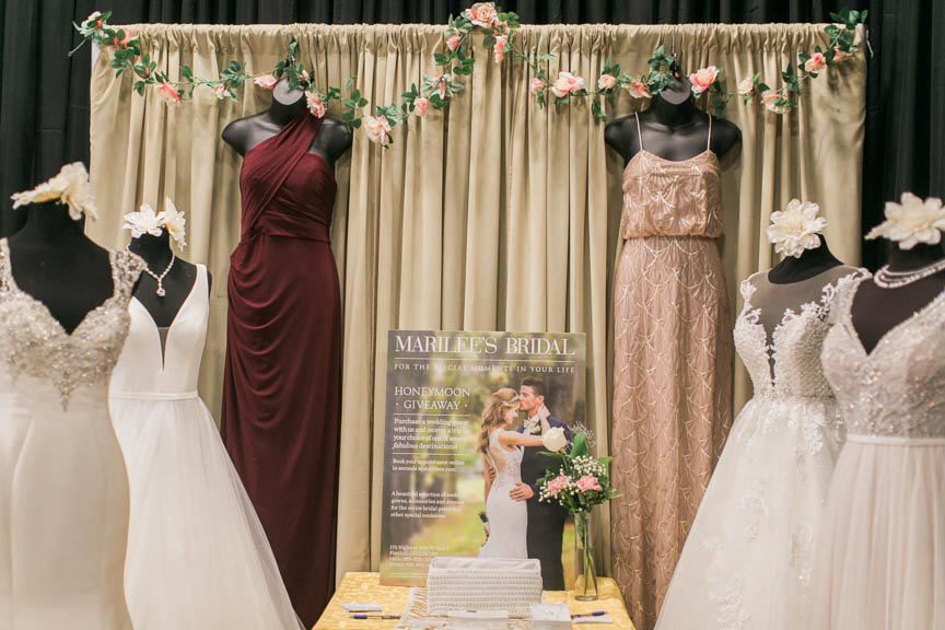 the-first-look-vineyard-bride-swish-list-the-hare-wine-co-niagara-on-the-lake-wedding-show-23.jpg