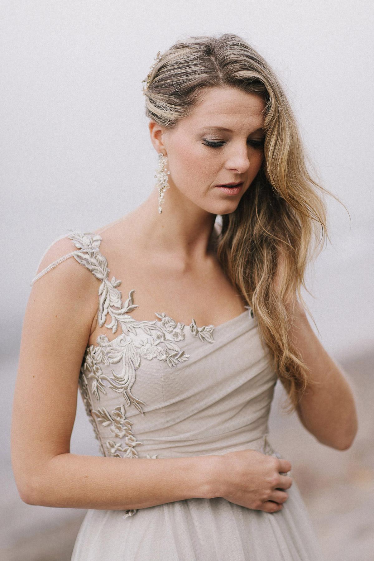 ballad-photography-vineyard-bride-swish-list-niagara-seaside-wedding-editorial-17.jpg