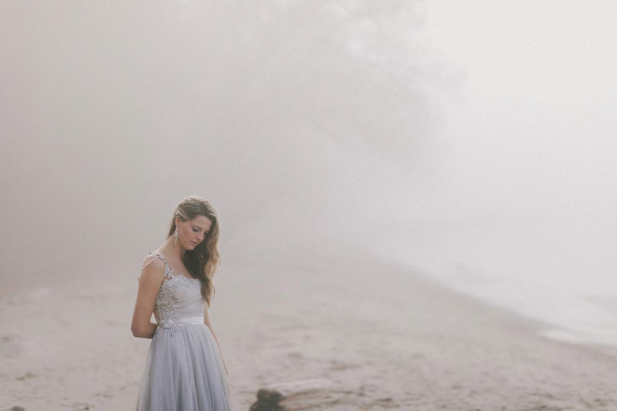 ballad-photography-vineyard-bride-swish-list-niagara-seaside-wedding-editorial-18.jpg