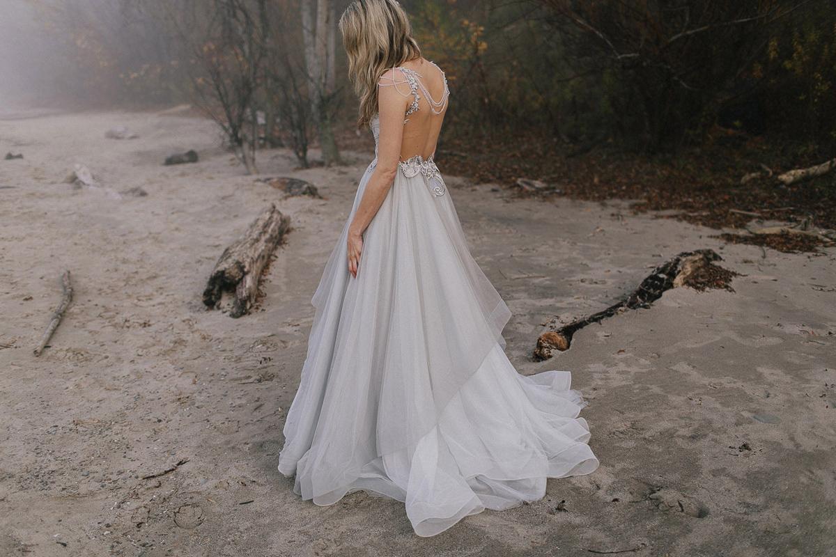 ballad-photography-vineyard-bride-swish-list-niagara-seaside-wedding-editorial-19.jpg