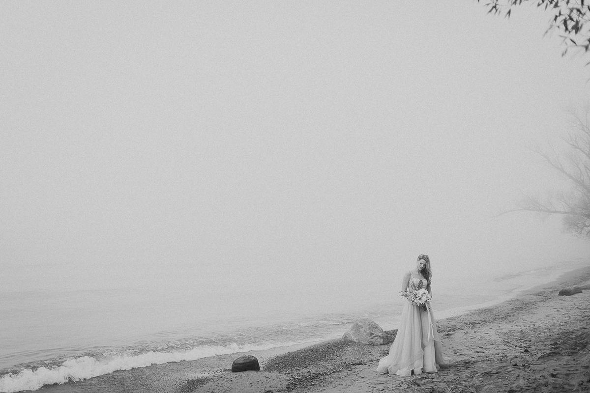 ballad-photography-vineyard-bride-swish-list-niagara-seaside-wedding-editorial-21.jpg