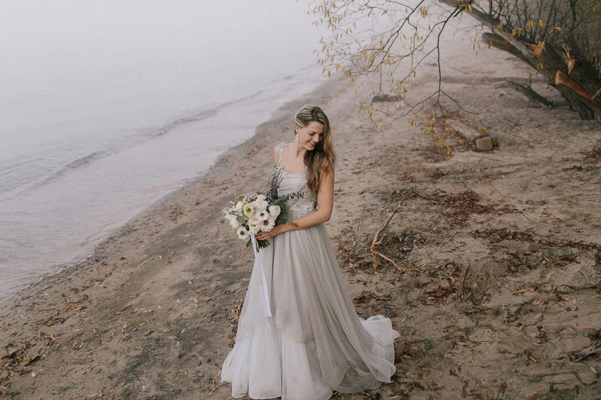 ballad-photography-vineyard-bride-swish-list-niagara-seaside-wedding-editorial-22.jpg