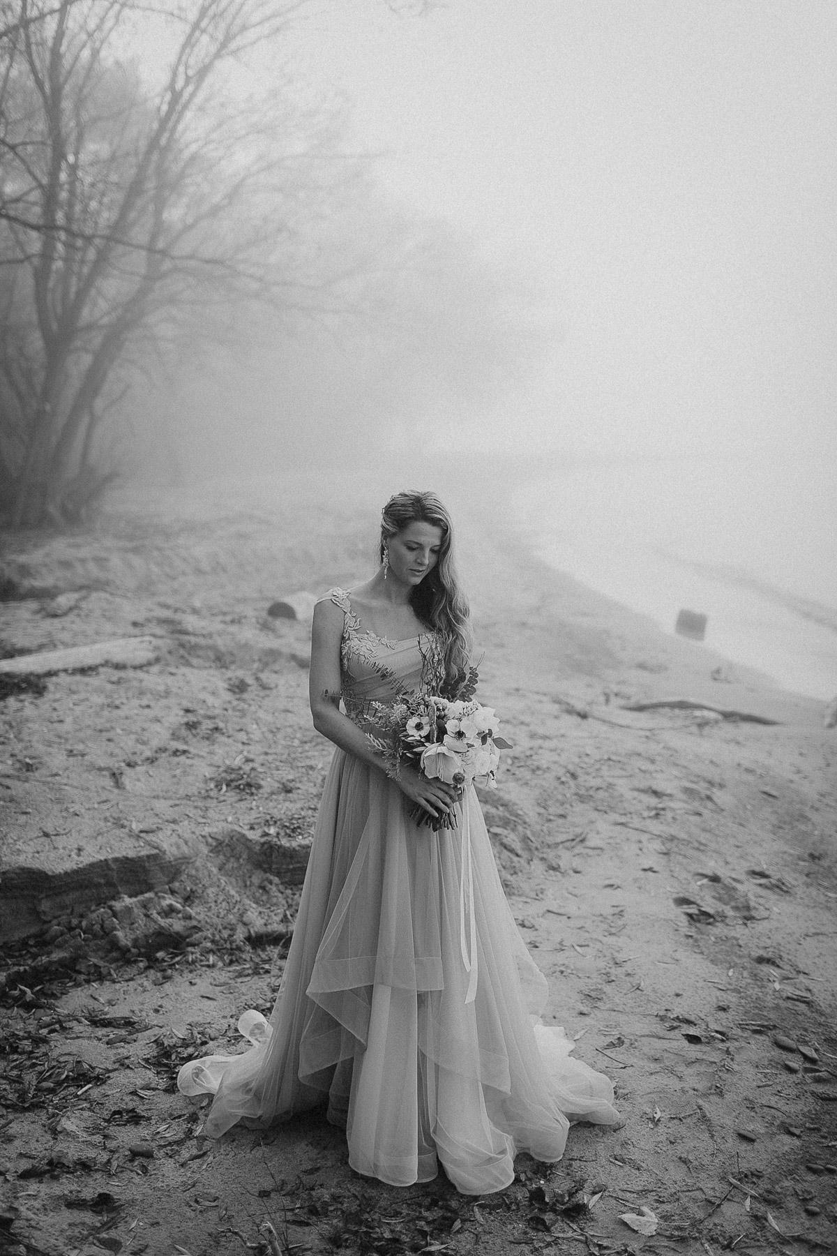 ballad-photography-vineyard-bride-swish-list-niagara-seaside-wedding-editorial-23.jpg