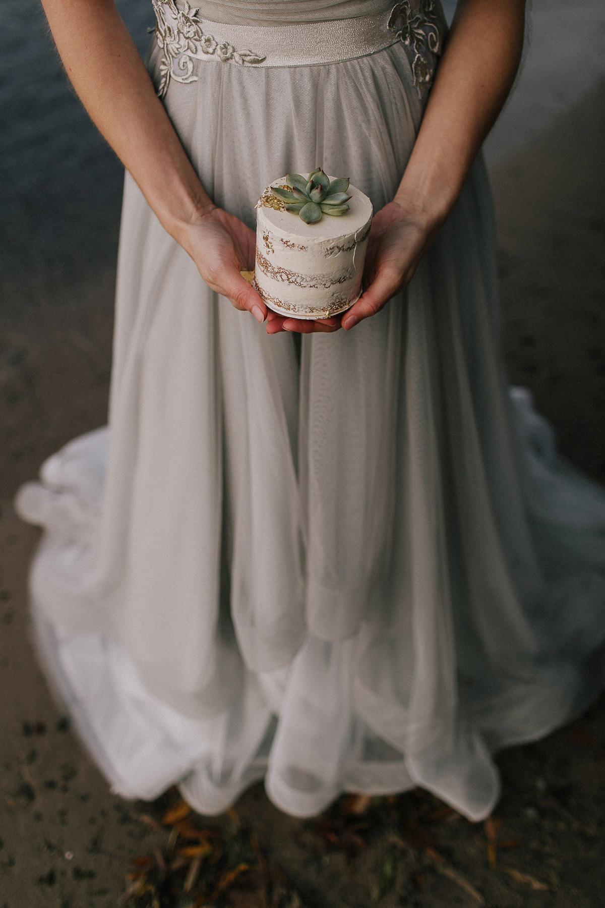 ballad-photography-vineyard-bride-swish-list-niagara-seaside-wedding-editorial-32.jpg