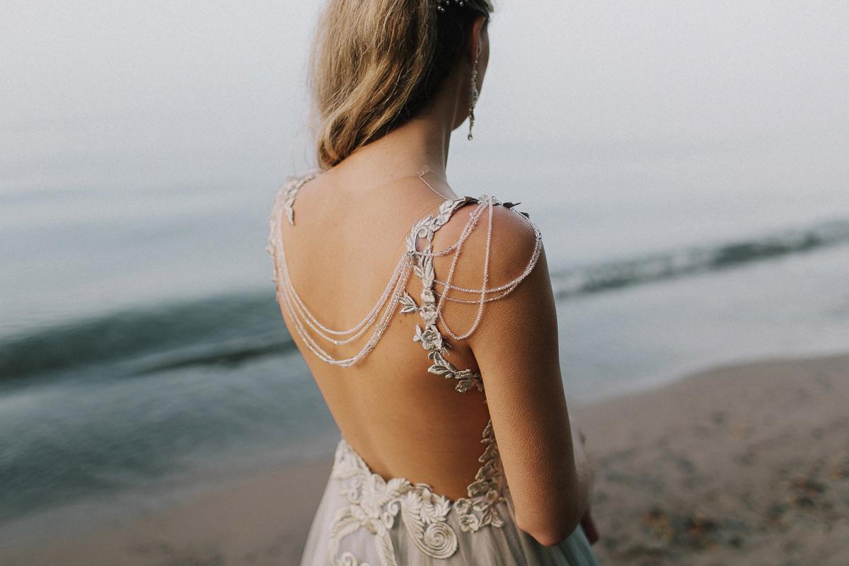 ballad-photography-vineyard-bride-swish-list-niagara-seaside-wedding-editorial-36.jpg