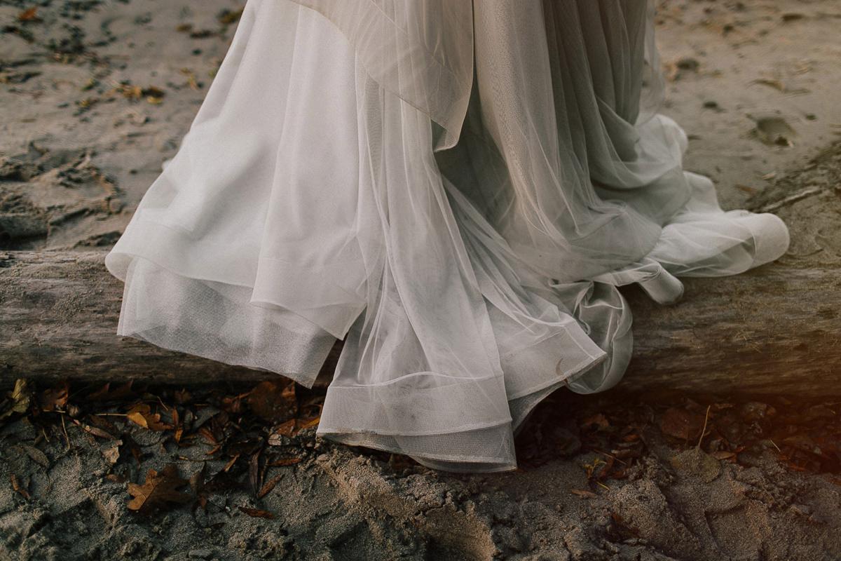 ballad-photography-vineyard-bride-swish-list-niagara-seaside-wedding-editorial-37.jpg