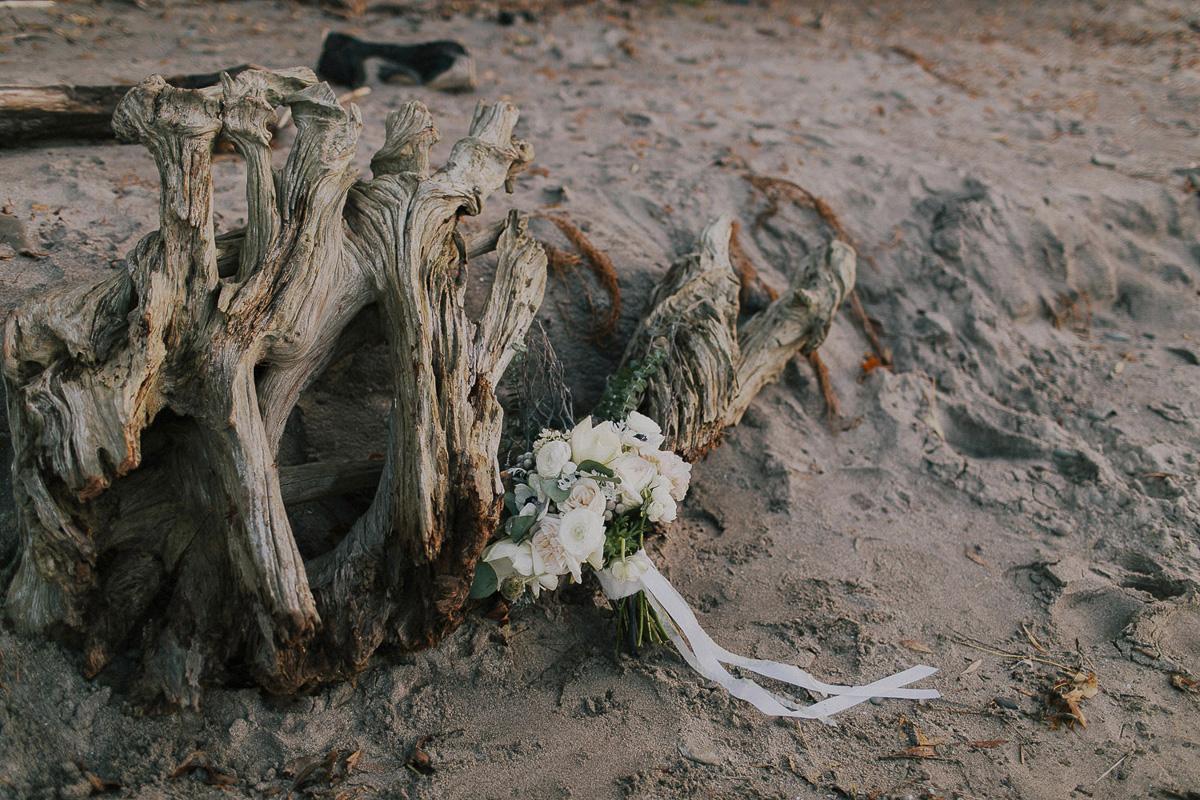 ballad-photography-vineyard-bride-swish-list-niagara-seaside-wedding-editorial-49.jpg