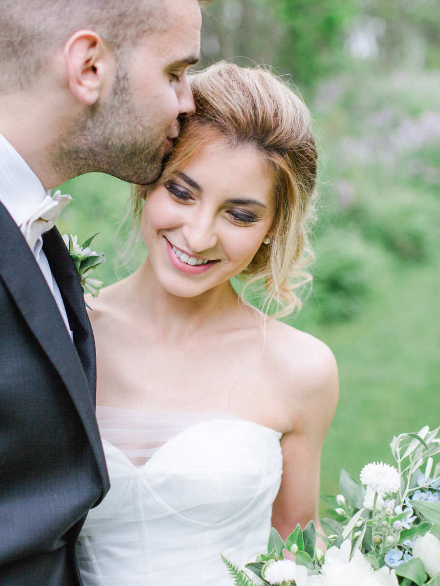 carolyn-bentum-photography-vineyard-bride-swish-list-westover-inn-st-marys-wedding-editorial-3.jpg