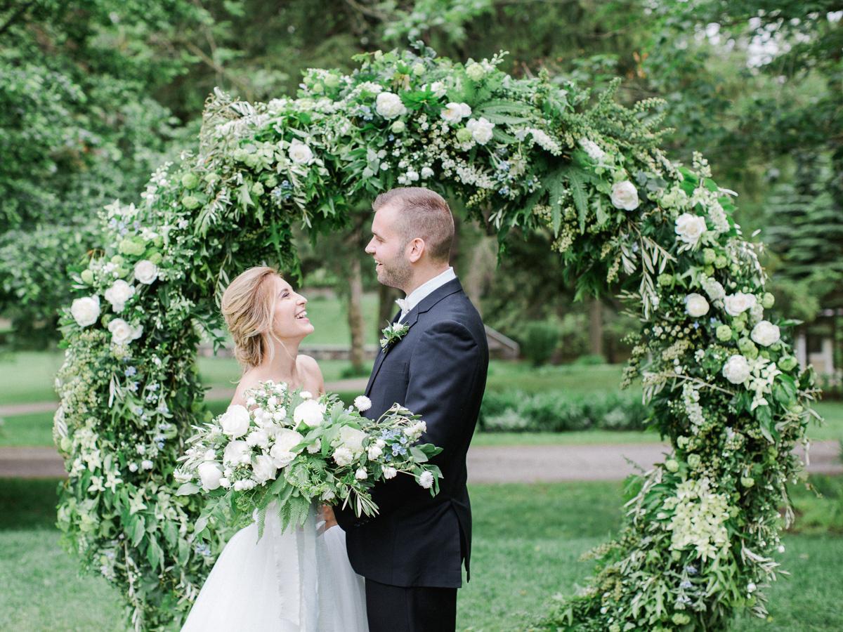 carolyn-bentum-photography-vineyard-bride-swish-list-westover-inn-st-marys-wedding-editorial-8.jpg