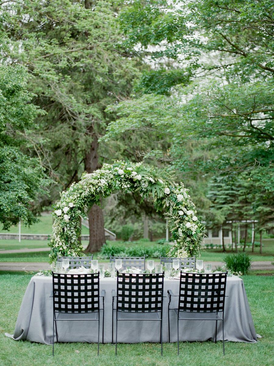 carolyn-bentum-photography-vineyard-bride-swish-list-westover-inn-st-marys-wedding-editorial-19.jpg
