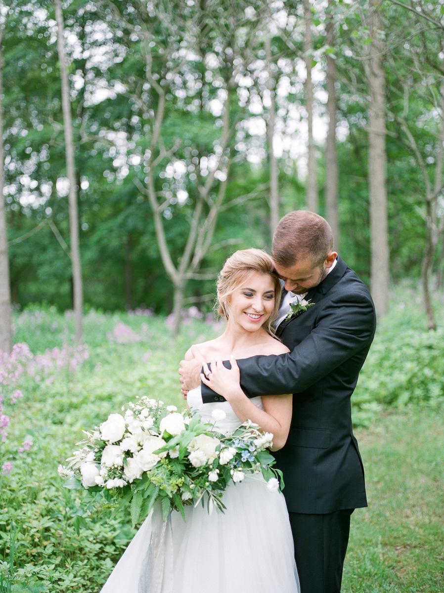 carolyn-bentum-photography-vineyard-bride-swish-list-westover-inn-st-marys-wedding-editorial-25.jpg