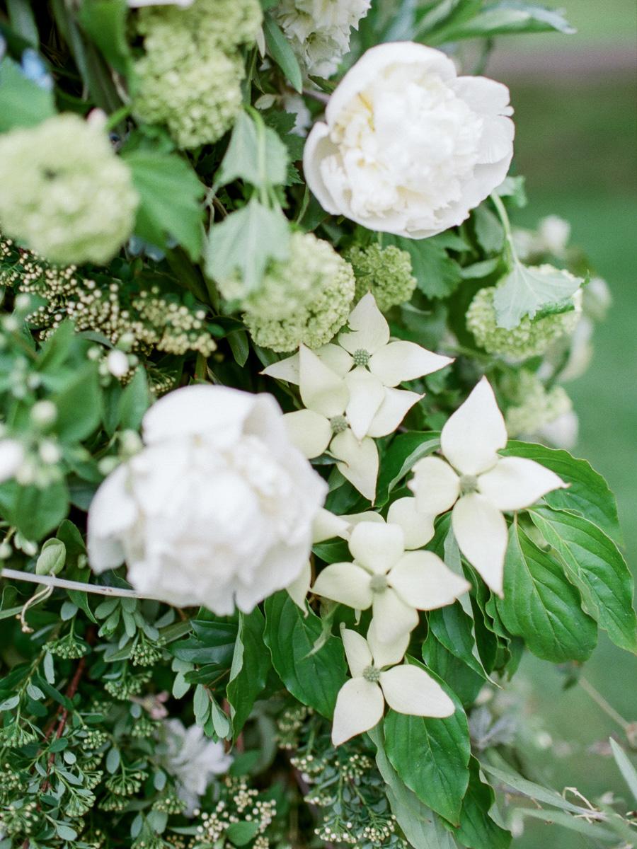 carolyn-bentum-photography-vineyard-bride-swish-list-westover-inn-st-marys-wedding-editorial-29.jpg