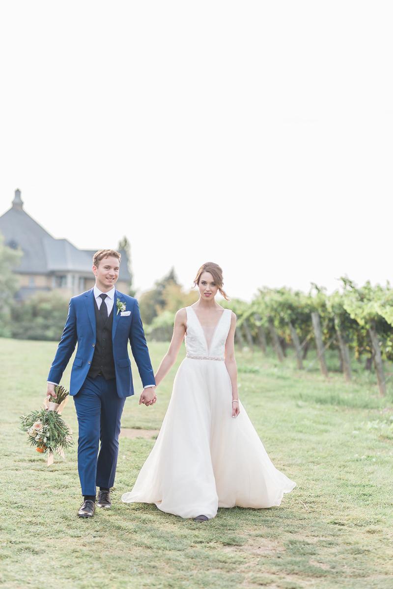 lucy-tran-photography-vineyard-bride-swish-list-gracewood-estates-kurtz-orchards-niagara-on-the-lake-wedding-editorial-16.jpg