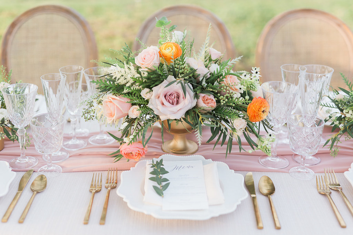 lucy-tran-photography-vineyard-bride-swish-list-gracewood-estates-kurtz-orchards-niagara-on-the-lake-wedding-editorial-26.jpg