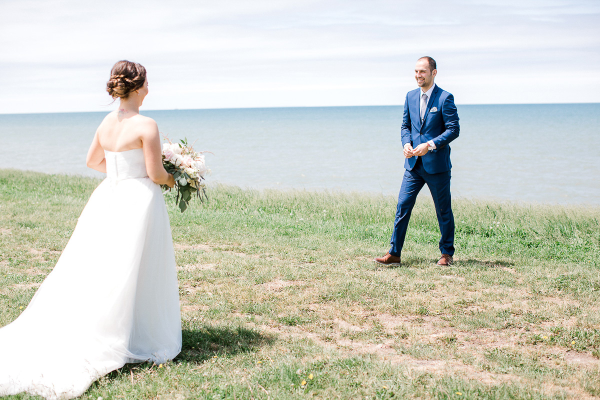 beatrice-elford-photography-vineyard-bride-swish-list-balls-falls-vineland-wedding-20.jpg