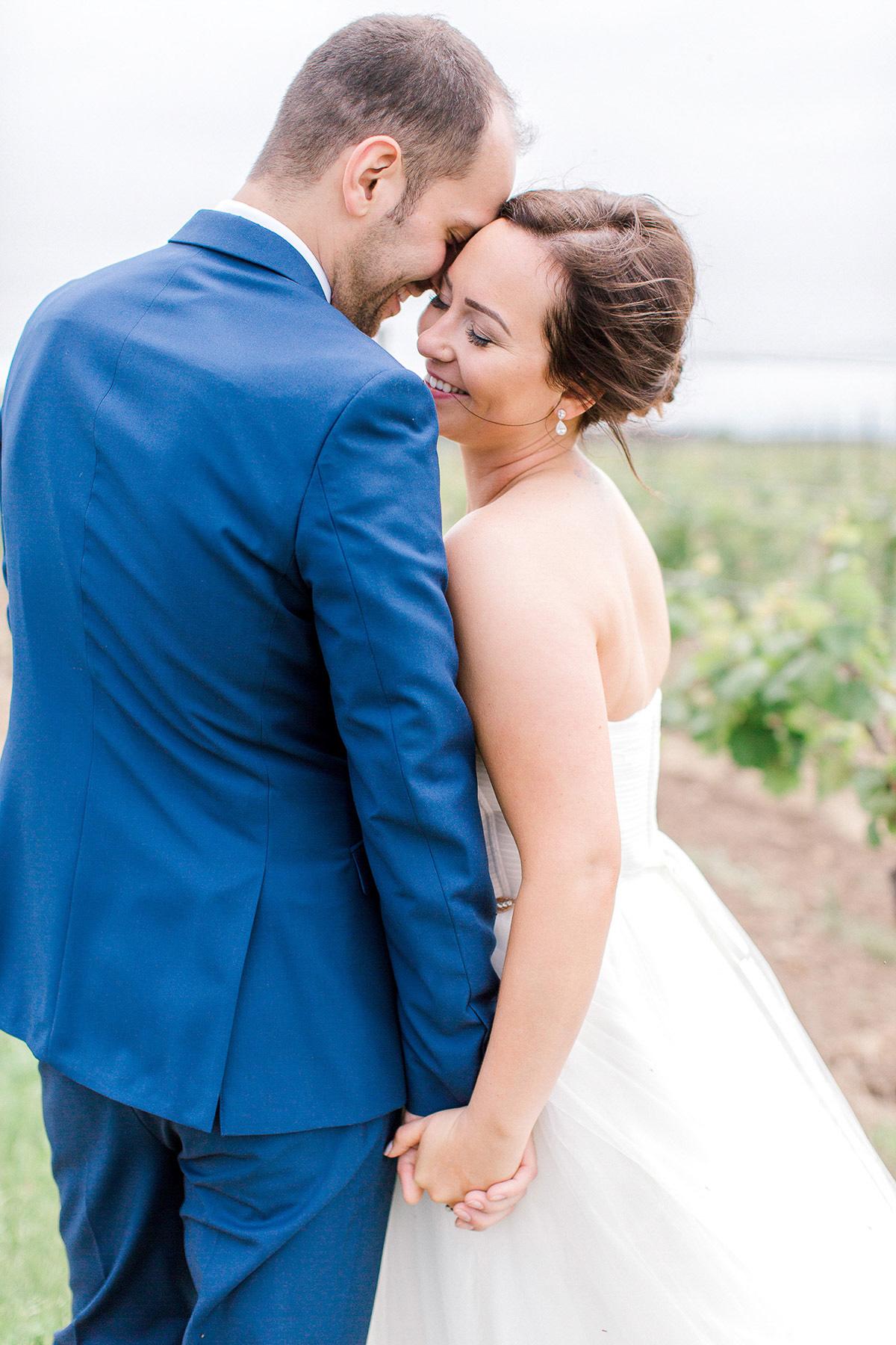 beatrice-elford-photography-vineyard-bride-swish-list-balls-falls-vineland-wedding-23.jpg