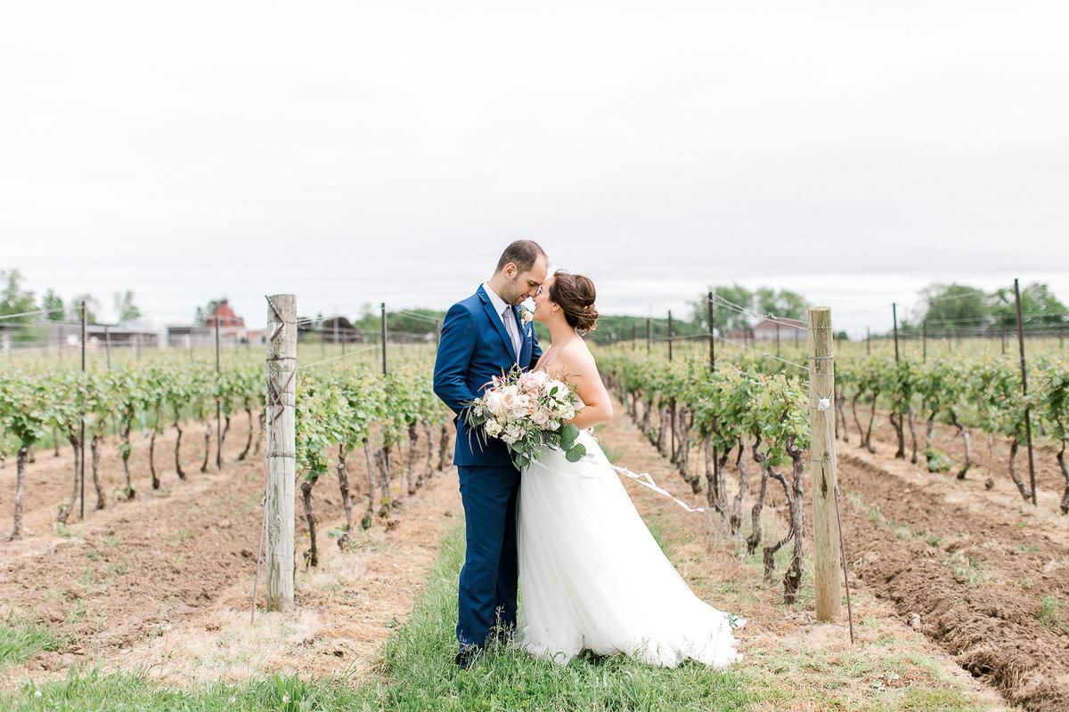 beatrice-elford-photography-vineyard-bride-swish-list-balls-falls-vineland-wedding-25.jpg
