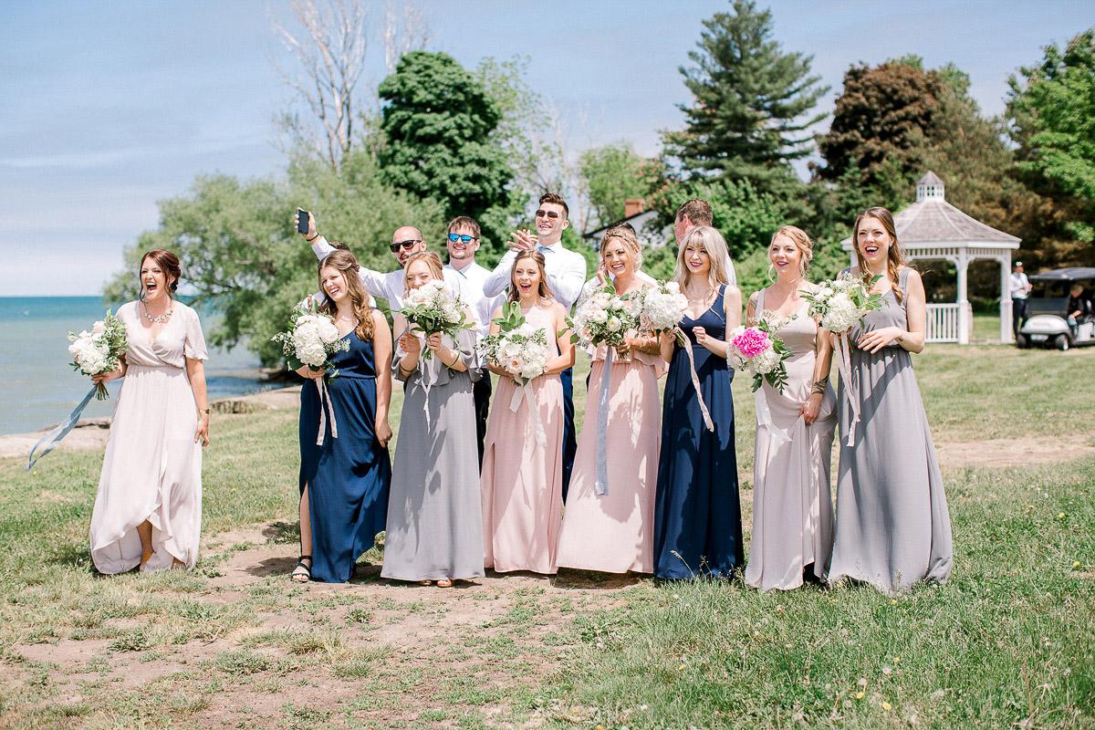 beatrice-elford-photography-vineyard-bride-swish-list-balls-falls-vineland-wedding-27.jpg