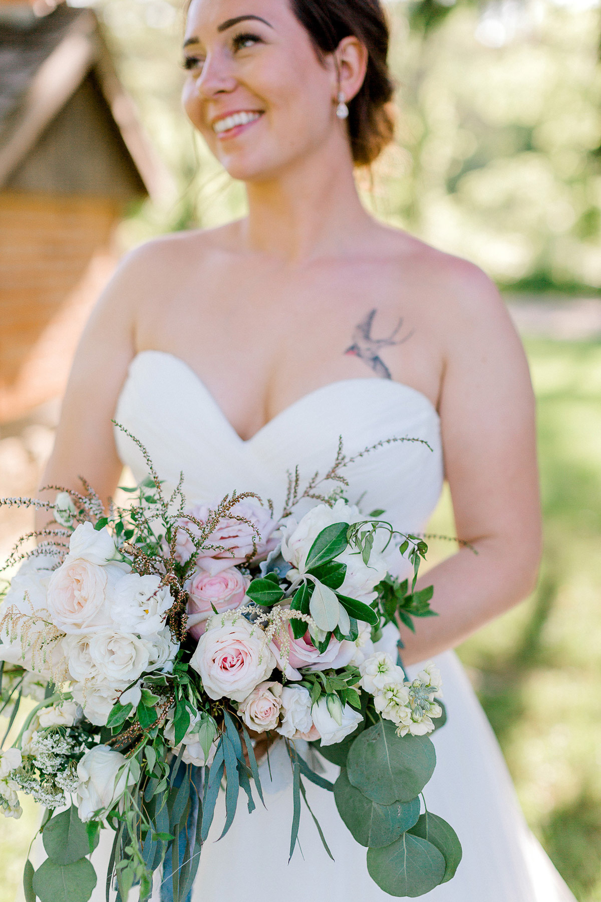 beatrice-elford-photography-vineyard-bride-swish-list-balls-falls-vineland-wedding-32.jpg