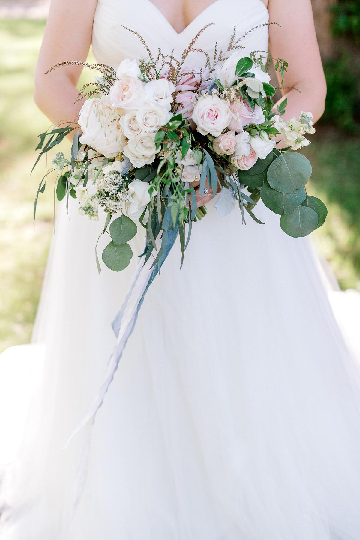 beatrice-elford-photography-vineyard-bride-swish-list-balls-falls-vineland-wedding-34.jpg