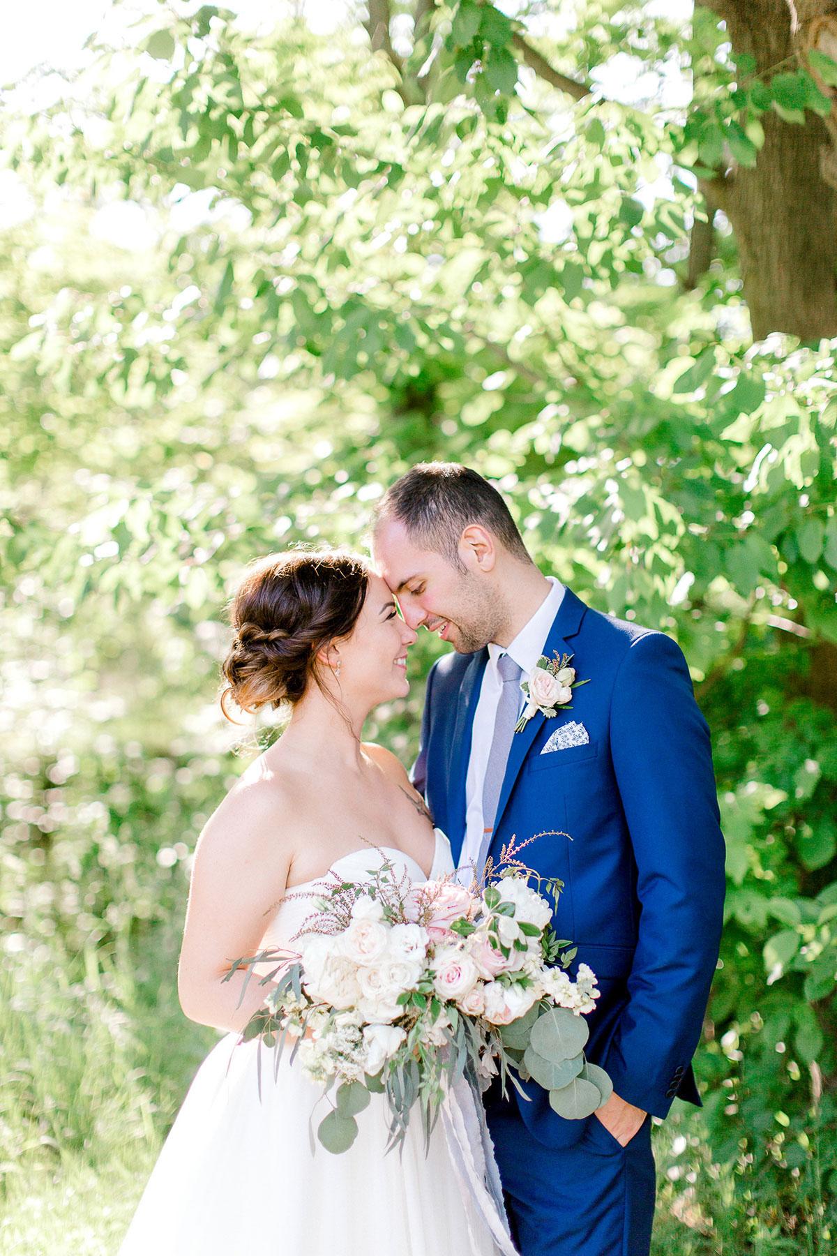 beatrice-elford-photography-vineyard-bride-swish-list-balls-falls-vineland-wedding-37.jpg