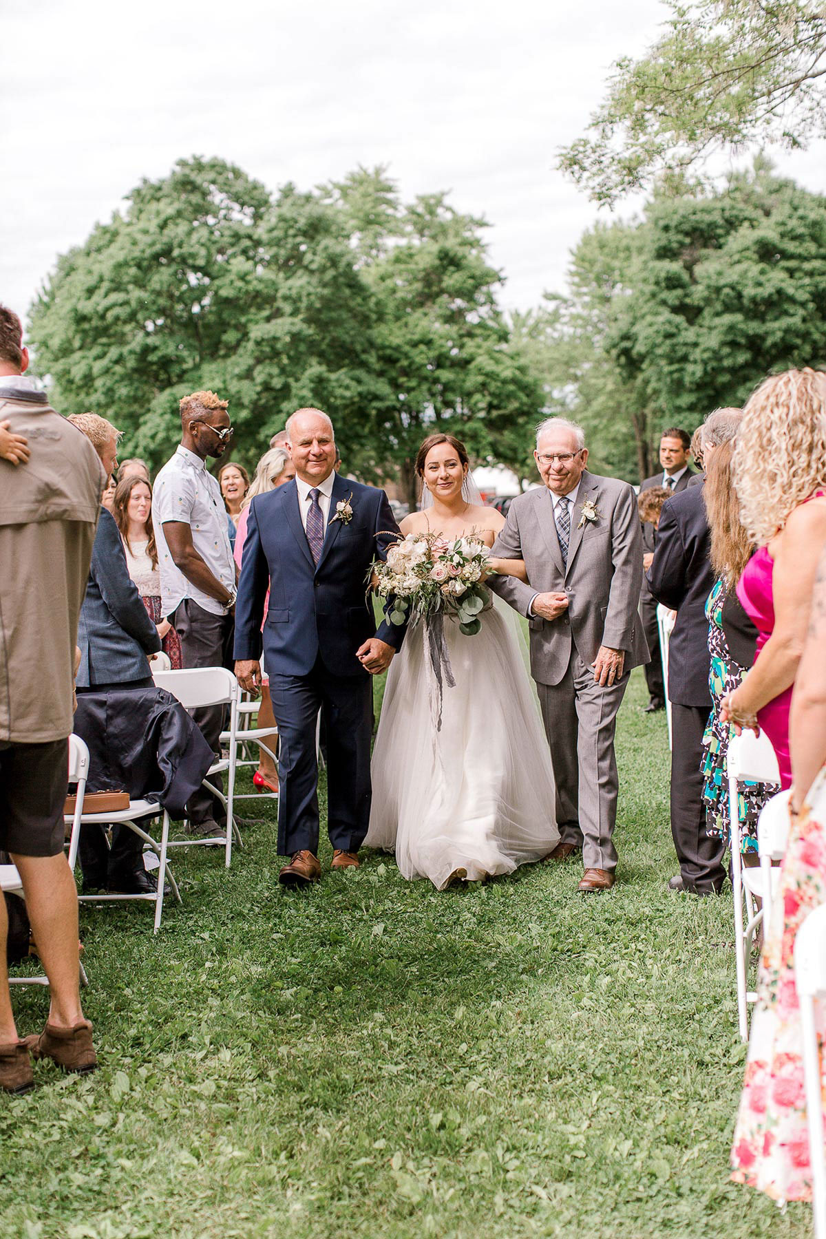 beatrice-elford-photography-vineyard-bride-swish-list-balls-falls-vineland-wedding-47.jpg