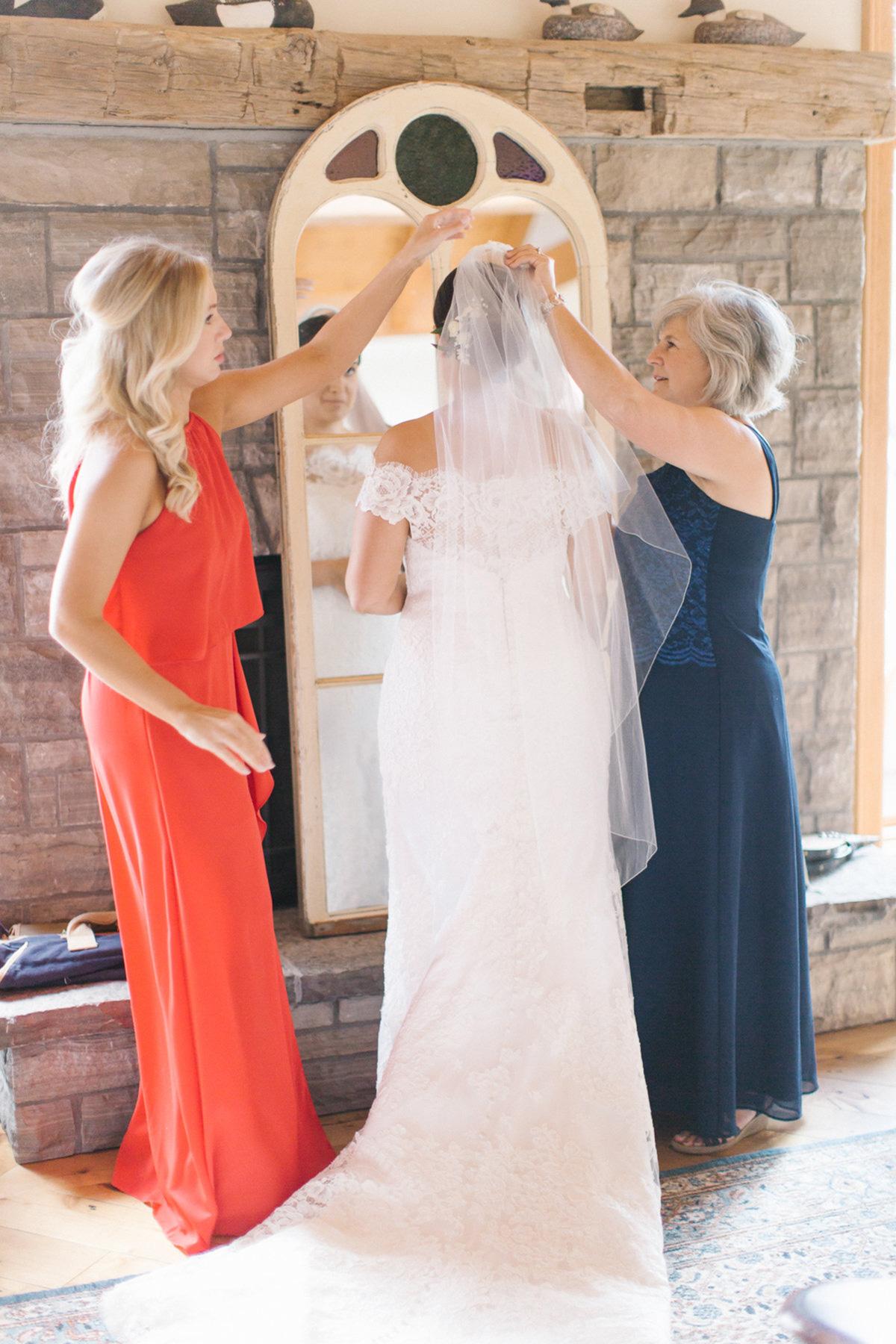artiese-studios-vineyard-bride-swish-list-private-estate-cambridge-wedding-4.jpg