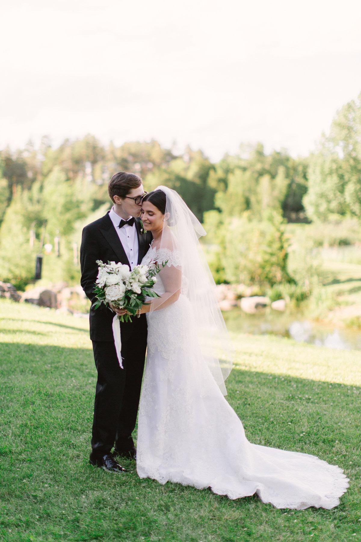 artiese-studios-vineyard-bride-swish-list-private-estate-cambridge-wedding-8.jpg