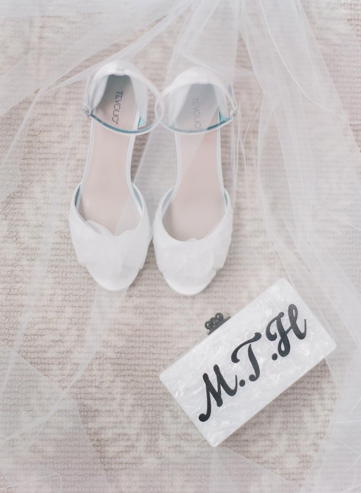 artiese-studios-vineyard-bride-swish-list-private-estate-cambridge-wedding-22.jpg