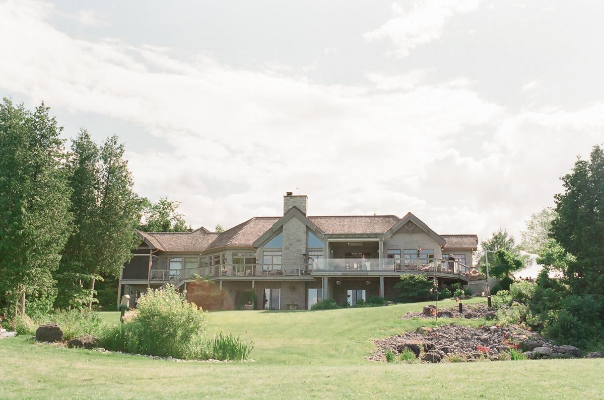 artiese-studios-vineyard-bride-swish-list-private-estate-cambridge-wedding-40.jpg