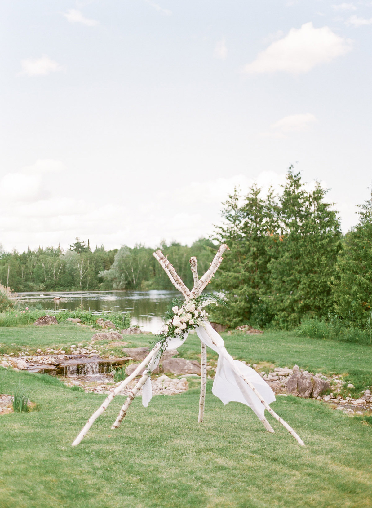 artiese-studios-vineyard-bride-swish-list-private-estate-cambridge-wedding-52.jpg