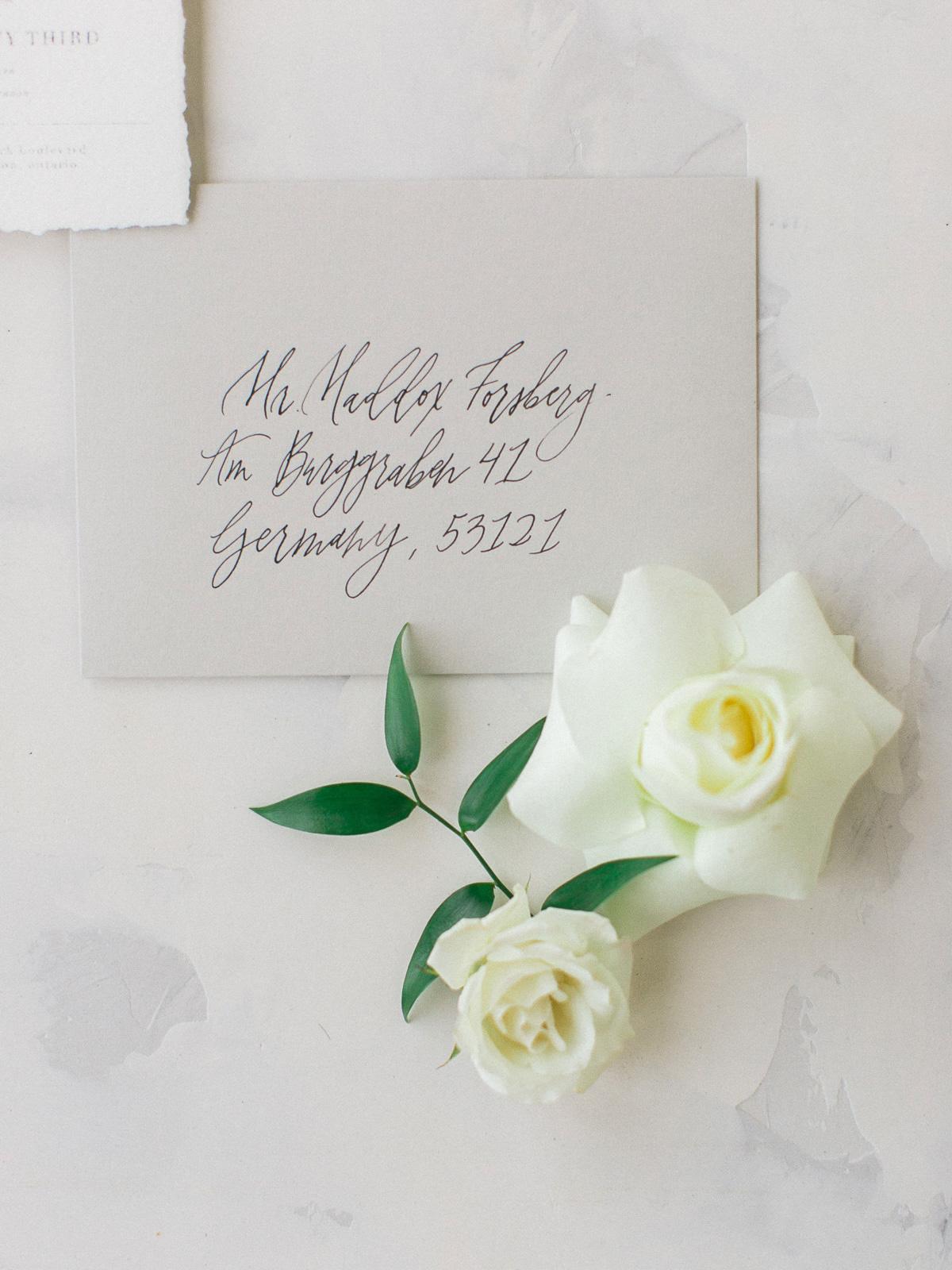 kurtz-orpia-photography-vineyard-bride-swish-list-dundurn-castle-dundas-wedding-editorial-6.jpg