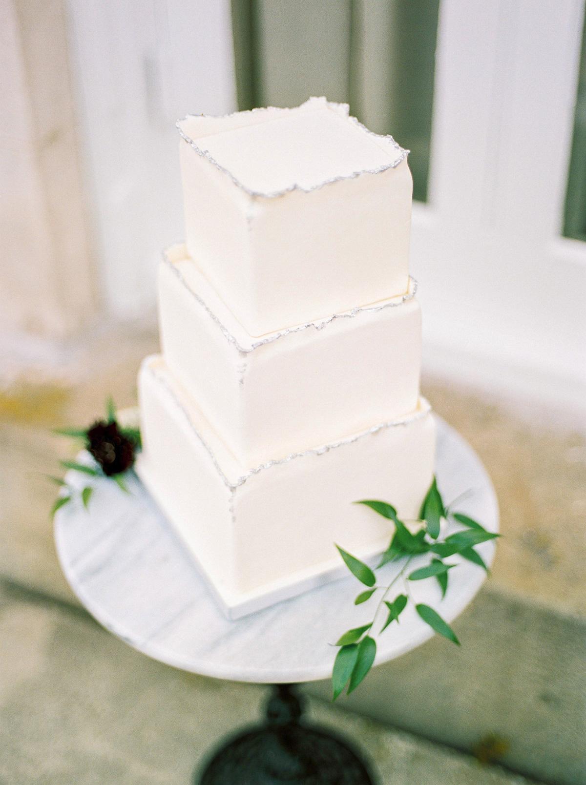 kurtz-orpia-photography-vineyard-bride-swish-list-dundurn-castle-dundas-wedding-editorial-11.jpg