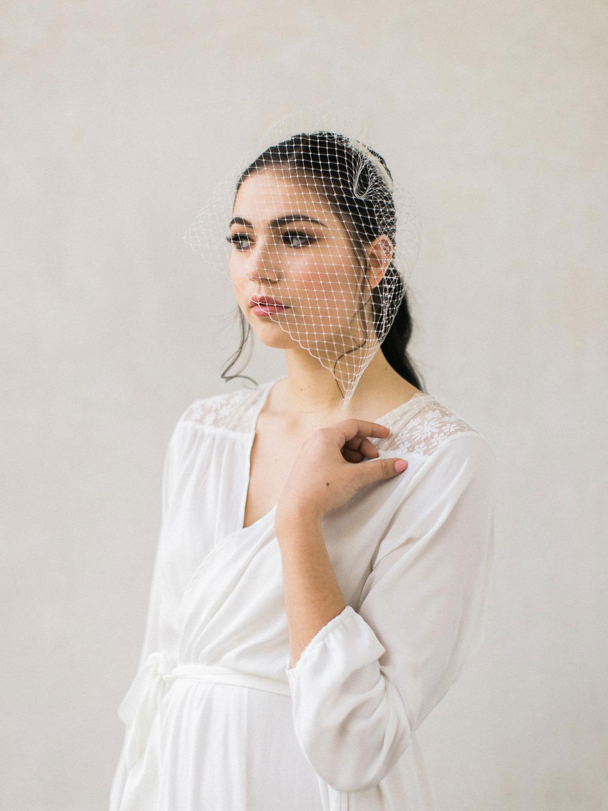 kurtz-orpia-photography-vineyard-bride-swish-list-dundurn-castle-dundas-wedding-editorial-14.jpg